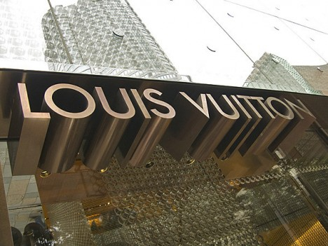 louis vuitton store sign