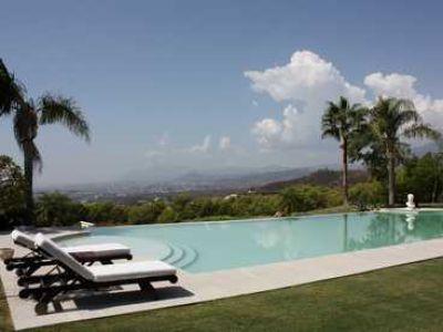 Villa Marbella swimming pool
