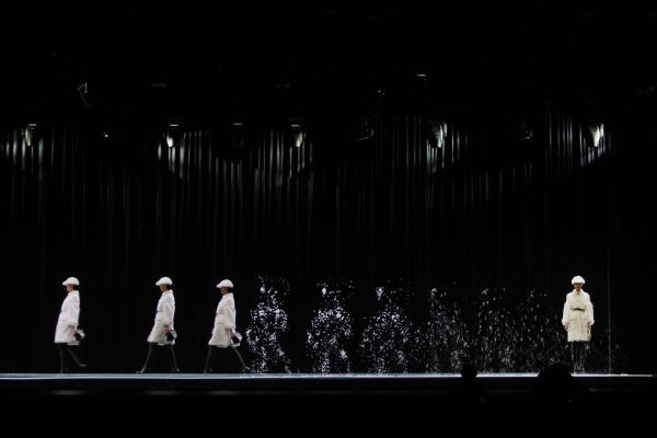 Holograms Burberry Beijing show