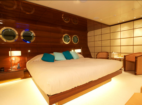 Silver Zwei Superyacht Bedroom