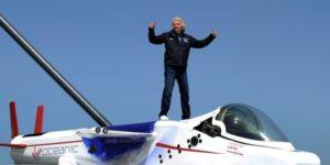 Branson Unveils Virgin Oceanic Submarine