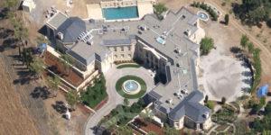 Billionaire pays $100 million for mansion