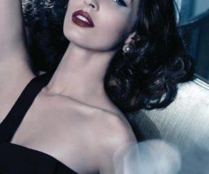 Megan Fox Madre Perla Armani