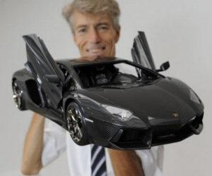 Lamborghini Aventador LP 700 4 Model Car