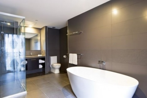bathroom Grand Mercure Melbourne