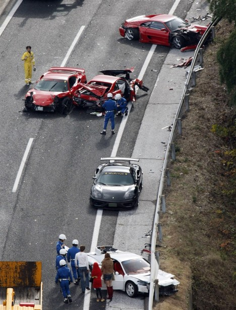 Ferraris crash Japan