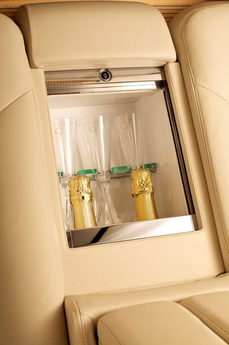 bentley mulsanne executive interior champagne flute