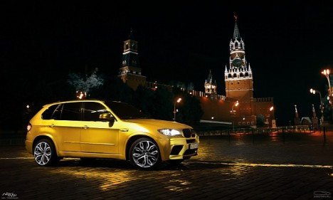 BMW X5 M Wrapped in Gold