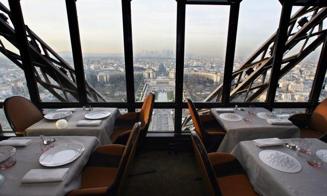 restaurant Jules Vernes Eiffel tower