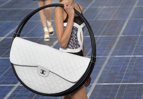 Chanel hula-hoop bag