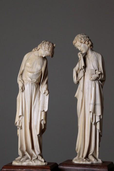 Louvre museum ivory sculptures