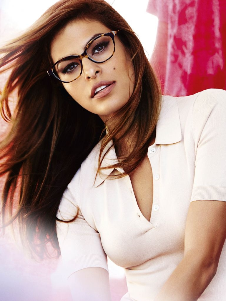 8fead42643426 Eva Mendes, the new face of Vogue Eyewear