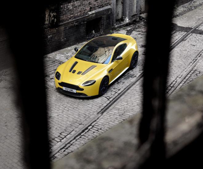 Aston Martin V12 Vantage S pic
