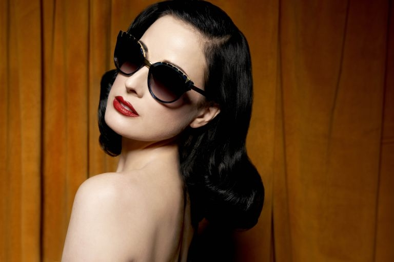 0e48e0f6a27 eyewear Archives - Page 2 of 5 - LUXUO