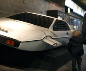 Lotus Esprit underwater car