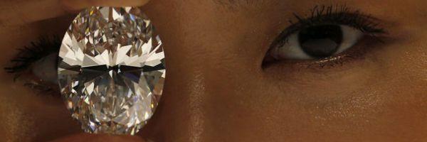magnificent white oval diamond