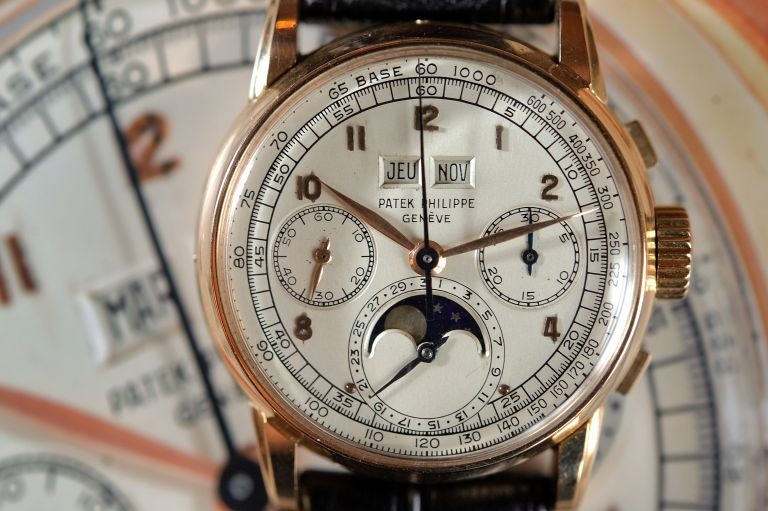 patek philippe sells for 2 1 million in record auction. Black Bedroom Furniture Sets. Home Design Ideas