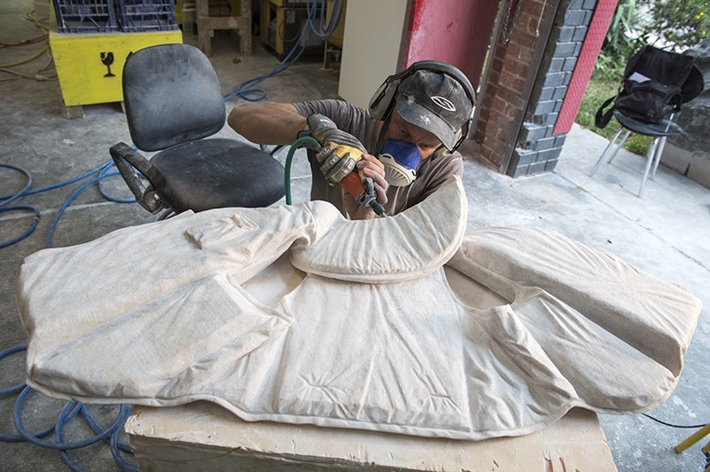 Alex Seton Carves 28 Marble Lifejackets Designboom 02