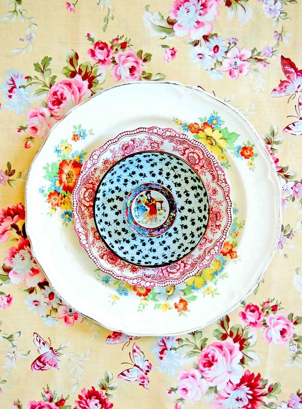 Beautiful Ceramic Plates Designed By Lula Aldunate 3