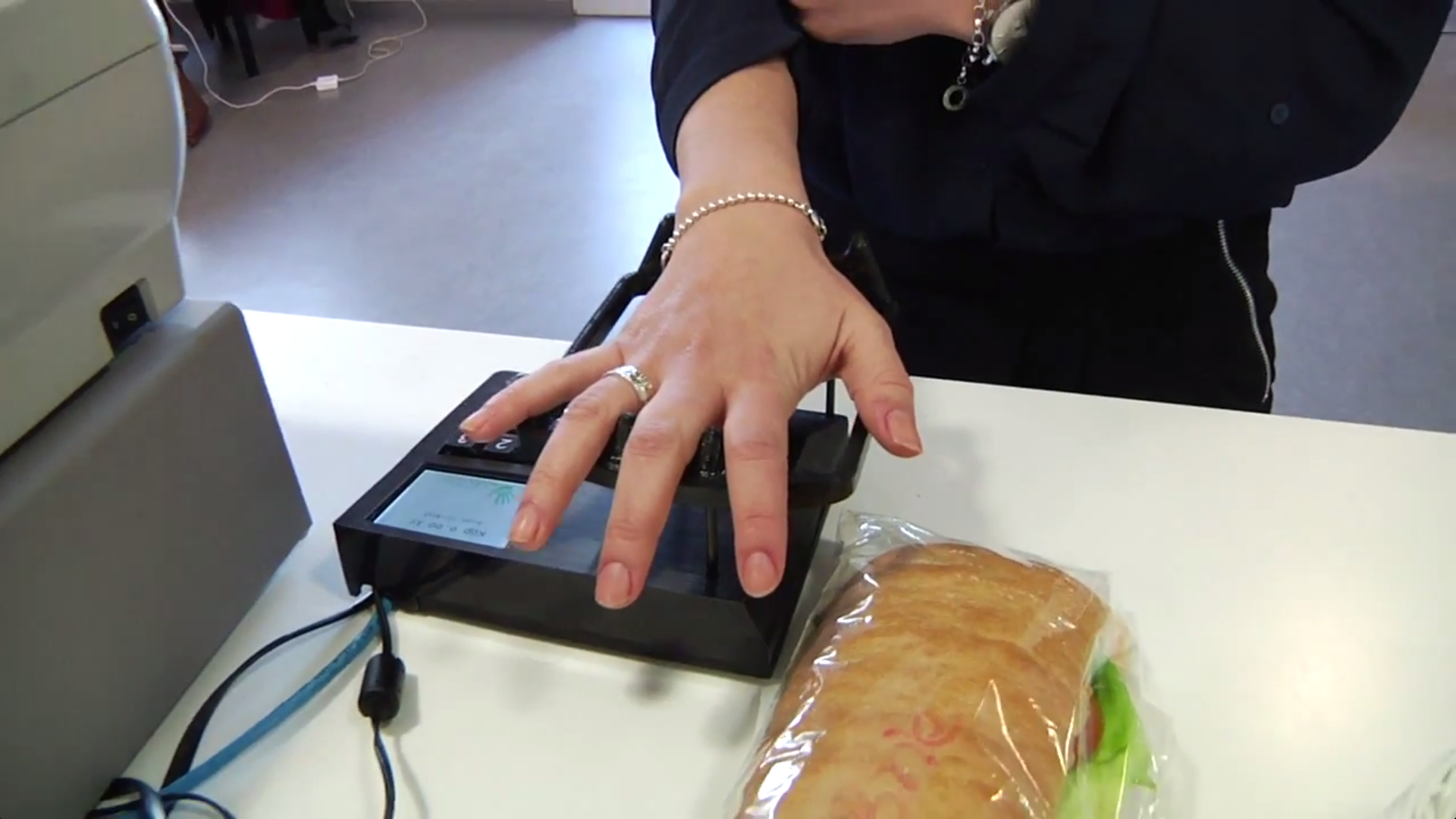 Pay with your hand using vein scanning