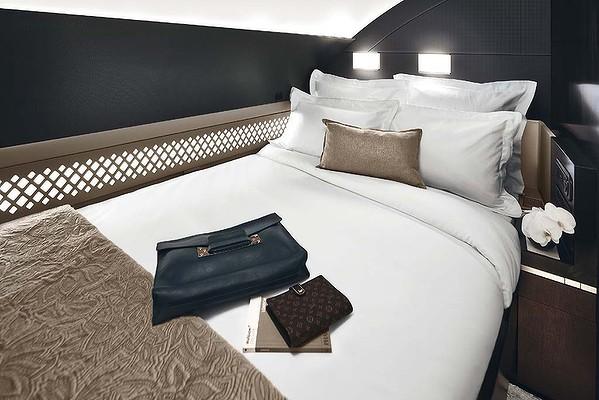 Etihad Airways residence class bedroom photo