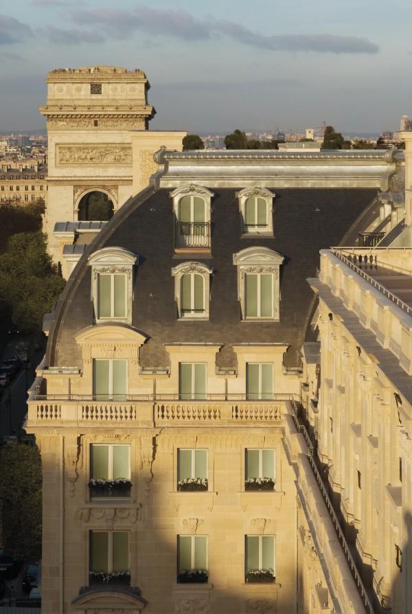 The facade of the Peninsula Paris