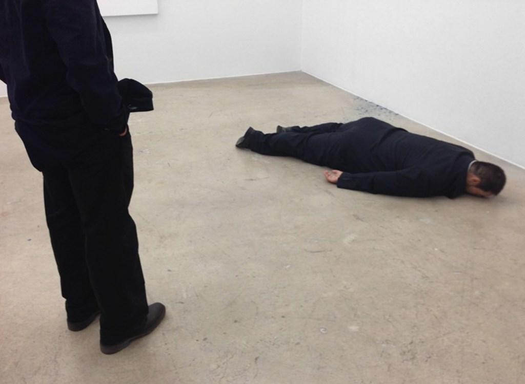 He Xiangyu Sculpts Ai Weiwei Face Down On The Floor Designboom 06