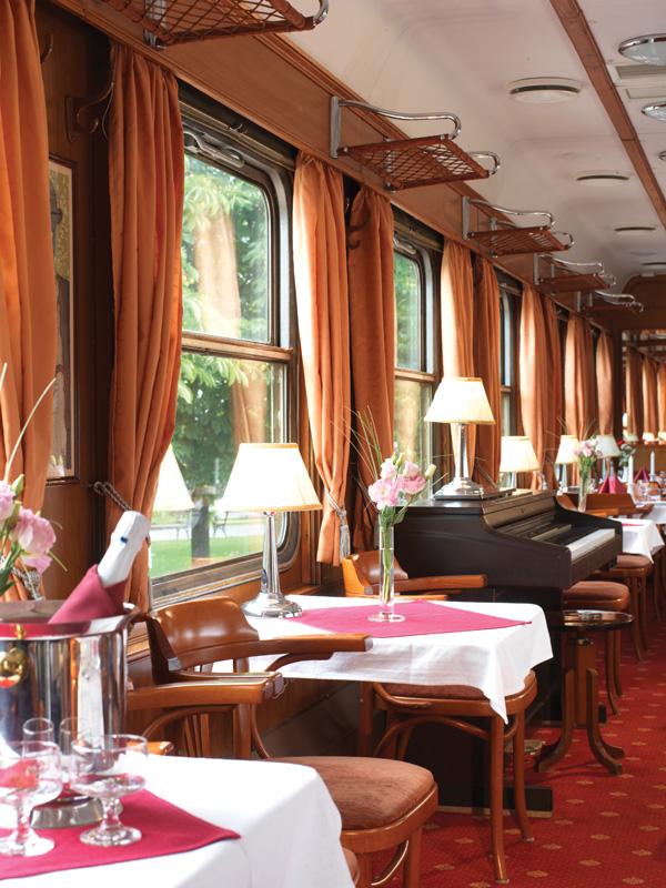 Lounge car Danube Express