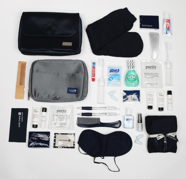 united airlines Emirates amenity kit