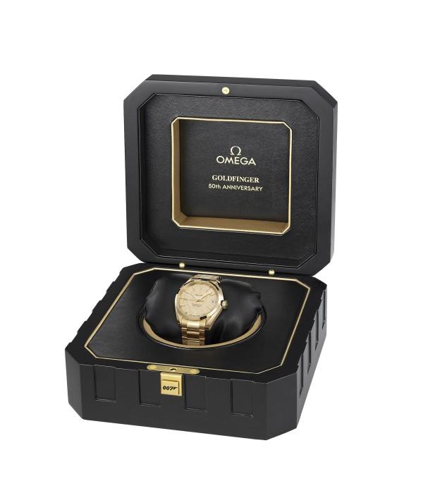 Omega Goldfinger Seamaster Aqua Terra wristwatch