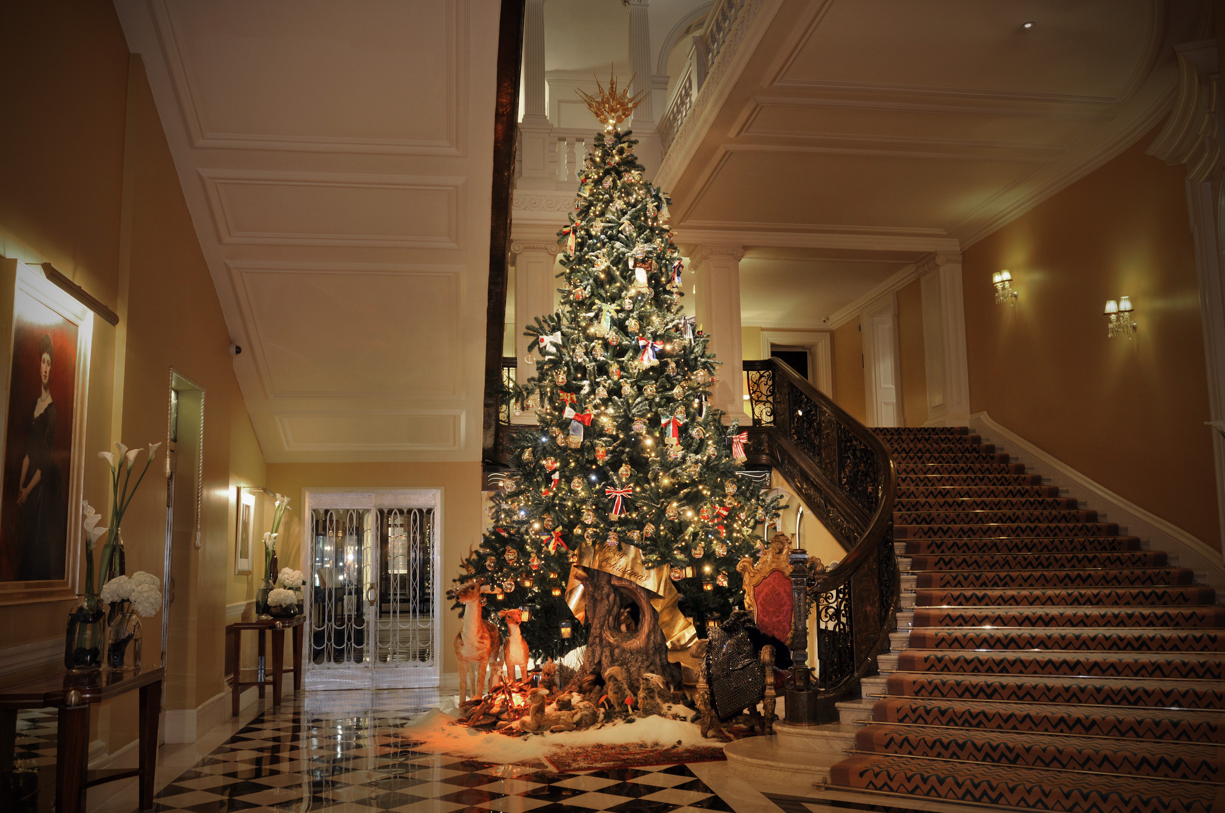 Claridge's 2014 Christmas Tree By Dolce & Gabbana