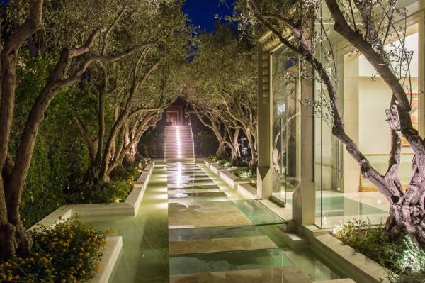 Palazzo di Amore glass walkaway