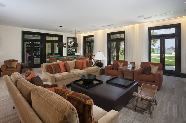 Matt Damon mansion Miami Beach living room