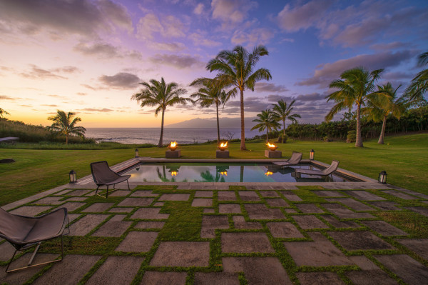 Maui Mansion swimming pool