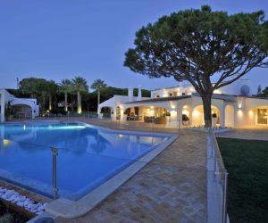 luxury Algarve villa for sale