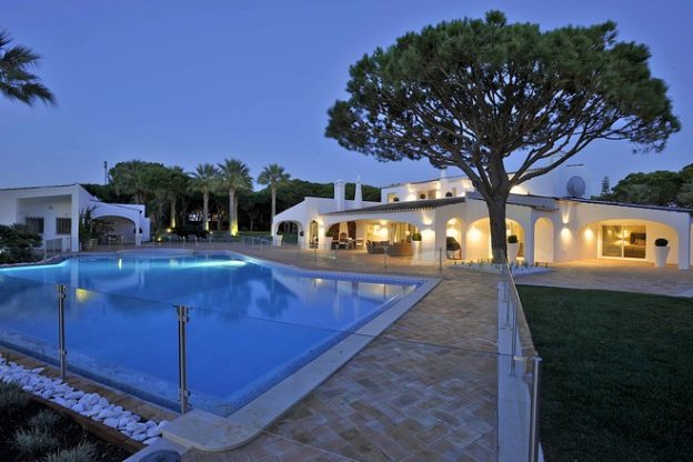 luxury Algarve villa for sale