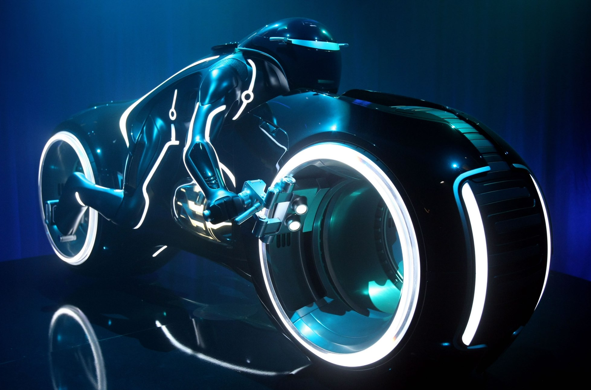 Tron Lightcycle sold at auction for $77,000
