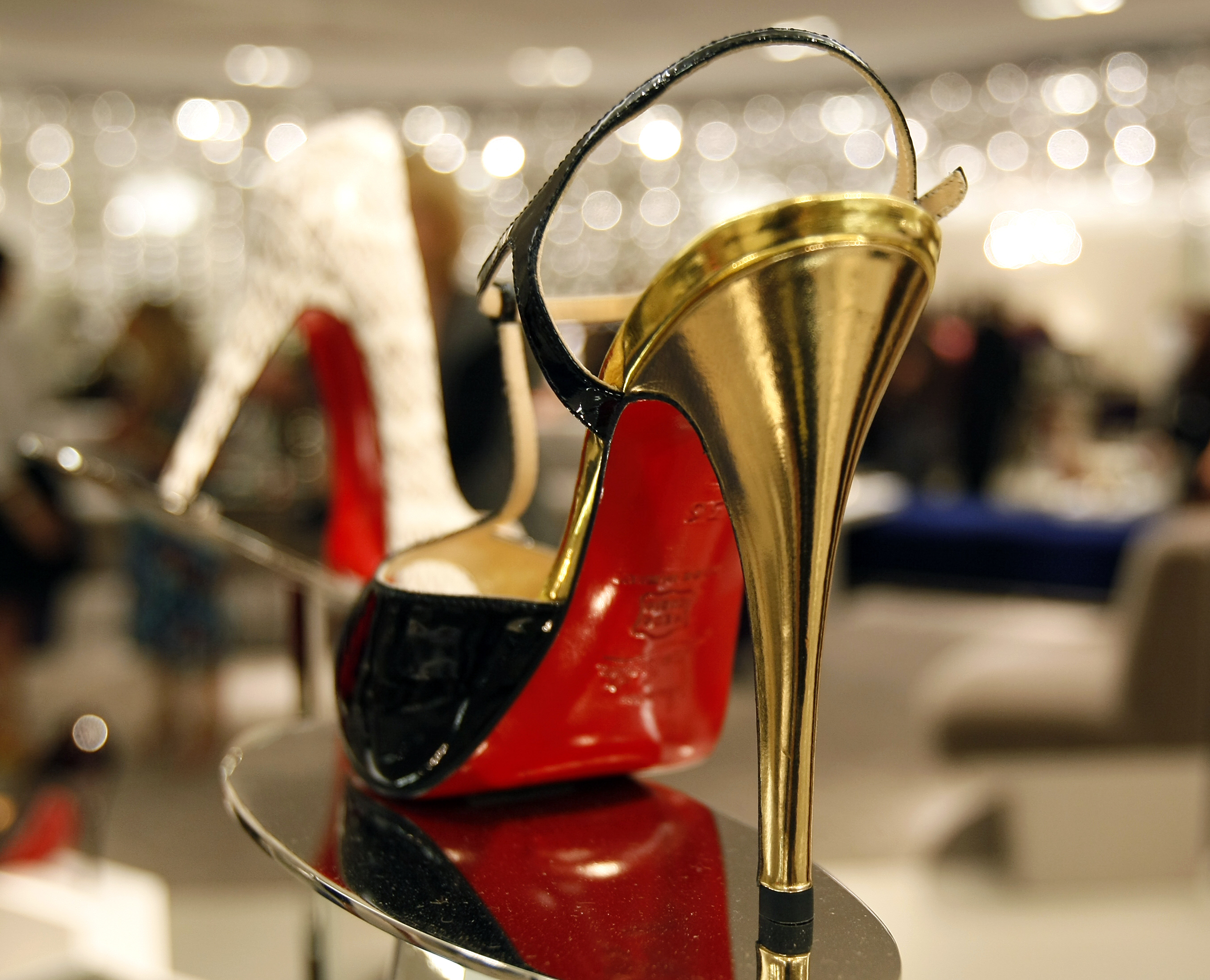 c5d965fb175 Saks Fifth Avenue to open shoes-only store