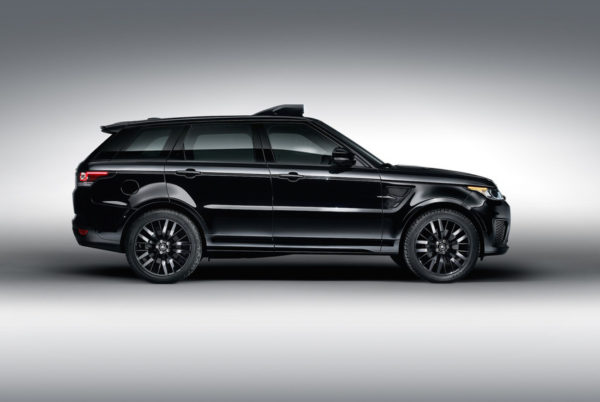 Range Rover Sport SVR spectre