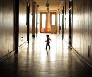 kid in hotel