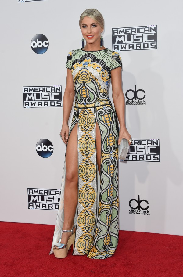 Actress Julianne Hough attends the 2015 American Music Awards at the Microsoft Theater at L.A. Live in Los Angeles, California, November 22, 2015. AFP PHOTO / VALERIE MACON / AFP / VALERIE MACON