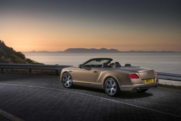 Bentley Claims Record Number Of Awards In 2015 (3)-r50