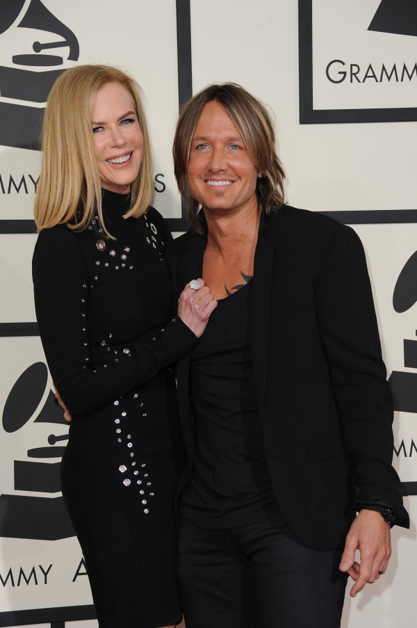 Nicole Kidman arrives with Keith Urban on the red carpet for the 57th Annual Grammy Awards in Los Angeles February 8, 2015. AFP PHOTO / VALERIE MACON / AFP / VALERIE MACON