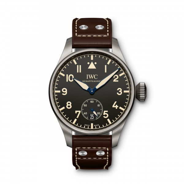 UNDATIERTES HANDOUT - For 75 years, the historic Big Pilot's Watch (52-calibre T.S.C.) was the largest wristwatch ever made at IWC in Schaffhausen. In 2016, IWC Schaffhausen unveils its successor: with an amazing 55-millimetre case diameter, the Big Pilot's Heritage Watch 55 eclipses a record that was set back in 1940. Like its big brother, the Big Pilot's Heritage Watch 48 looks very much like the historic original, but makes a few more concessions to modern ideas of aesthetics and comfort. (PHOTOPRESS/IWC)