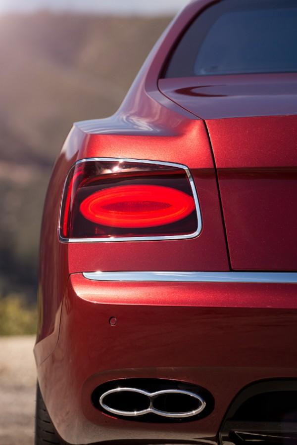 Bentley-FlyingSpur-Back