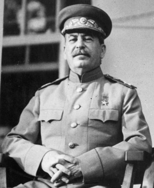 Joseph-Stalin-1943