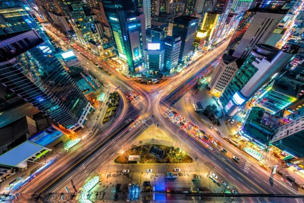 EP7A2T Looking down on a major interstection at night in Seoul, South Korea.