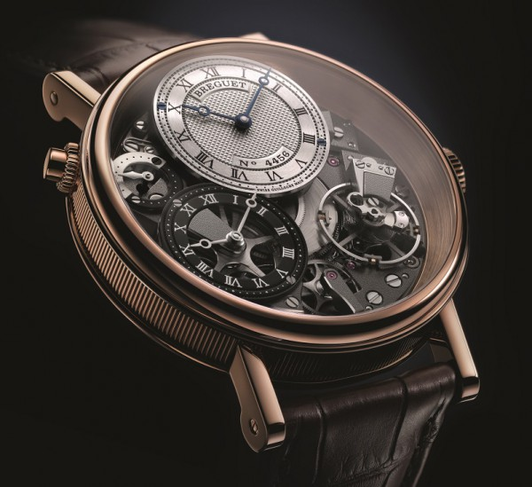 In spite of the addition of another dial for the second time zone, the Tradition 7067 retains a clear sense of symmetry