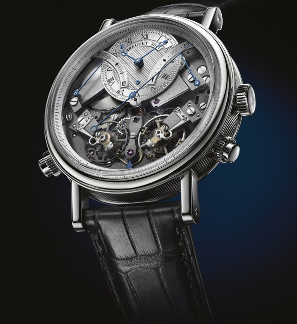 Tradition Chronographe Independent 7077 has two going trains, one for the going train and another for the chronograph