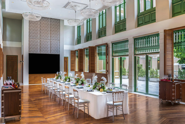 Private banquets and events are catered in an especially designated space. Boasting access to the central courtyard, the hall has modern facilities installed.